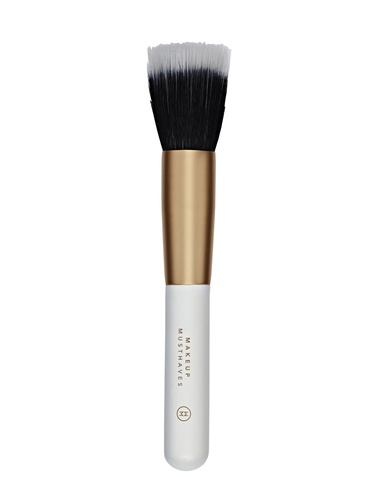 01. Sheer Foundation Brush